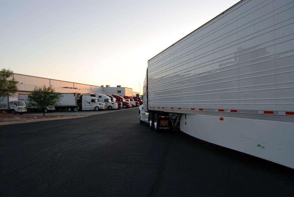 Ambos Nogales warehouses trucks