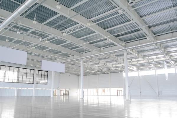 Industrial Warehouse Interior shutterstock 115087093 ML resized 600