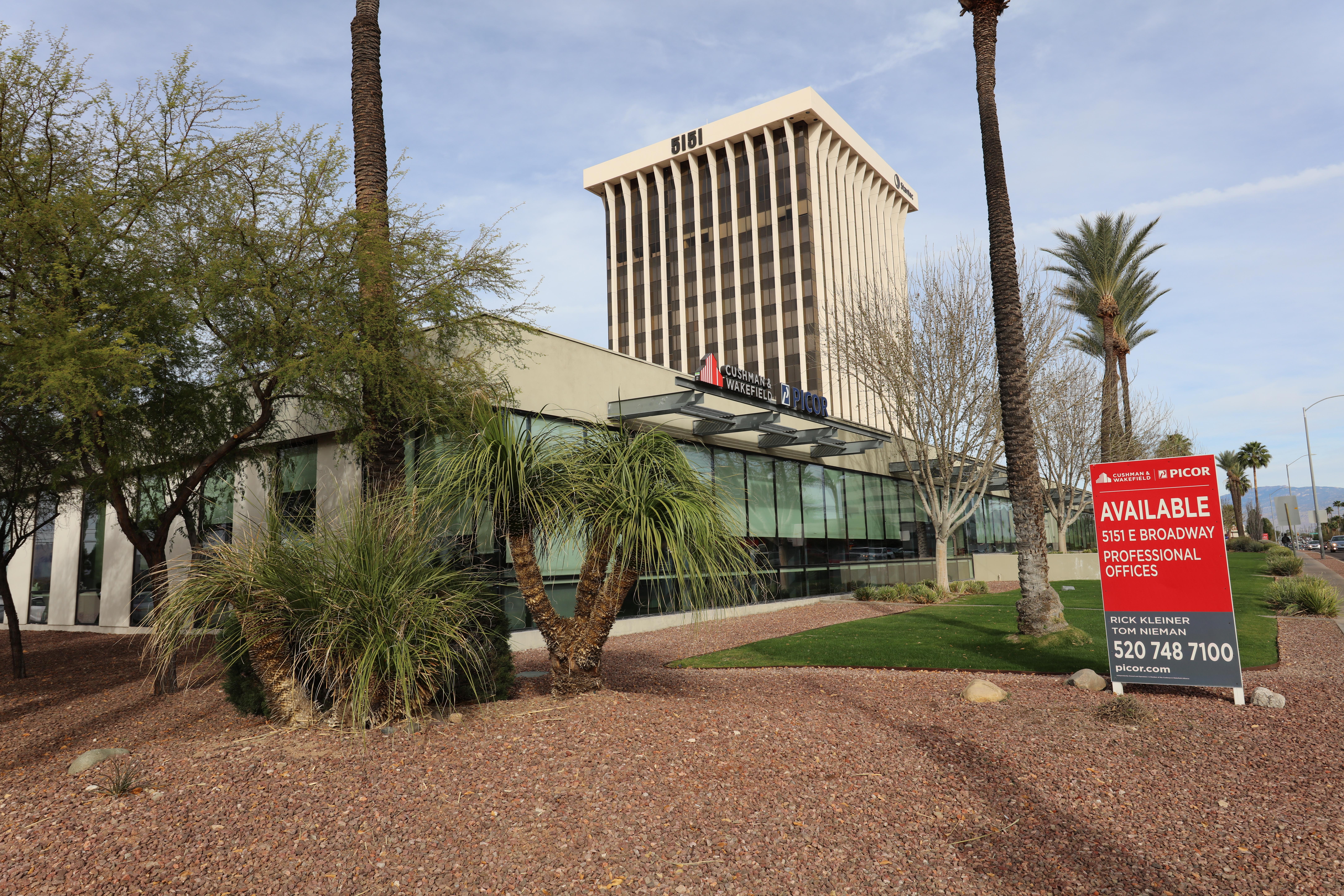 5151_East_Broadway_Tucson